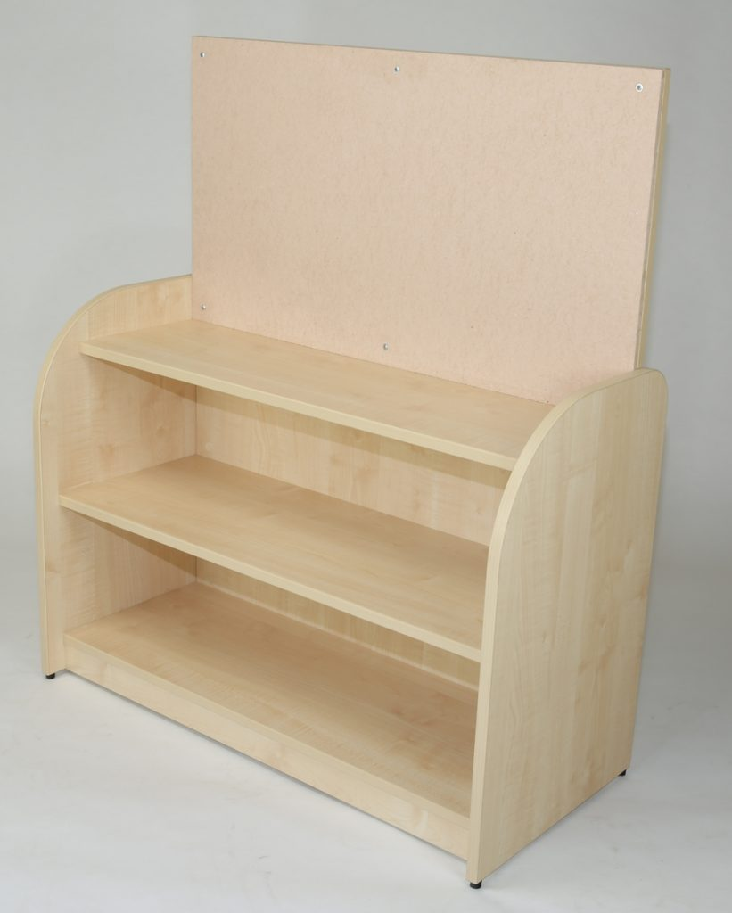 Discovery open shelf unit with pin board display